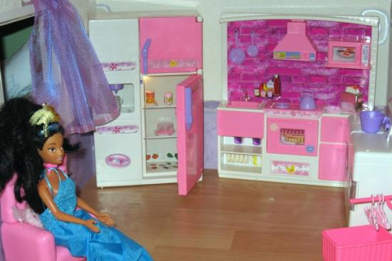 maison de barbie. Black Bedroom Furniture Sets. Home Design Ideas