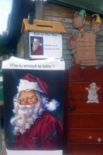 2010 La boîte pour les commandes au Père-Noël