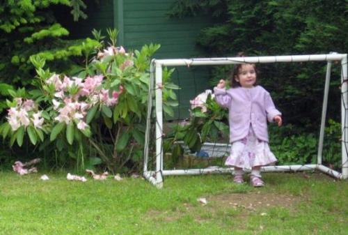La cage de foot avec ma fille 18 mois