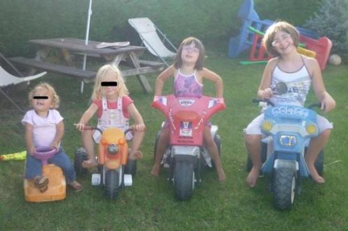 Les motos 4 tailles et un quad avec sa batterie (sept 2012)