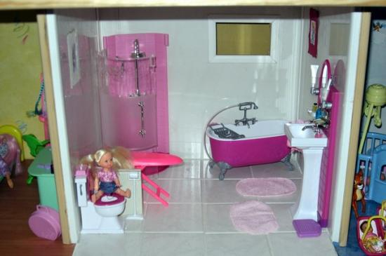 Maison de barbie for Mini salle bain
