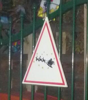 Attention : Père-Noël sur traîneau..