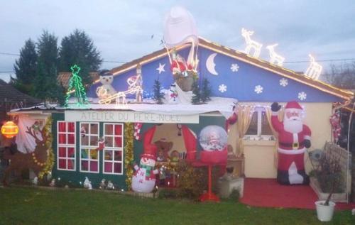 2011 : Et voilà le Père-Noël installé dans sa montgolfière...