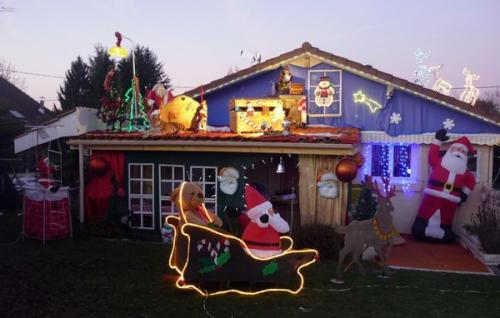 le Père-Noël est bien installé..